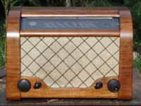 Vintage and Classic Radios, Record Players, phonograph, gramophone, Hi Fidelity, Vintage Stereos and more for sale.  Antique, Vintage and Classic Audio Information and History.